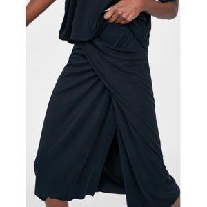 ZARA drapes skirt in black
